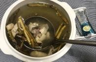 【舅妈的厨房】花旗参石斛土鸡瘦肉汤