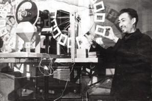 知青岁月二:六十年代小人书迷,兄弟二人放映幻灯,义务为民服务